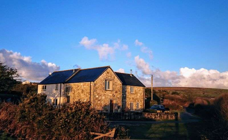 3 Bedrooms Property for sale in Georgia Nancledra, Penzance