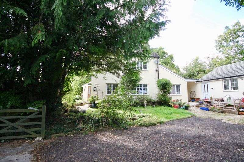 4 Bedrooms Property for sale in Littlemayne, Dorchester