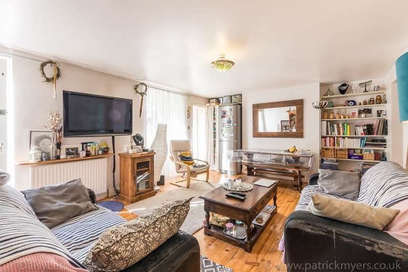 2 Bedrooms Ground Flat for sale in Asylum Road, Peckham, London, SE15 2LW