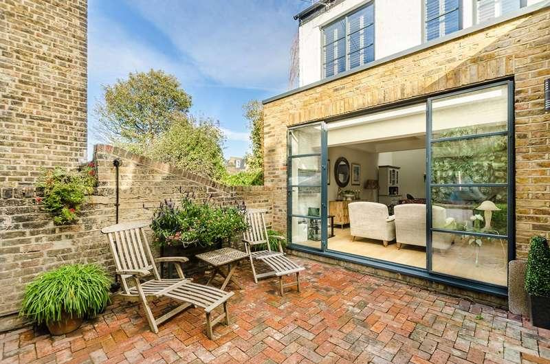2 Bedrooms Semi Detached House for sale in Ramsden Road, Balham, SW12