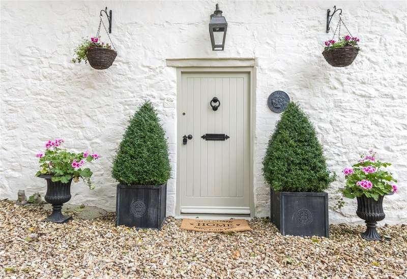 4 Bedrooms Semi Detached House for sale in West Lulworth, Dorset