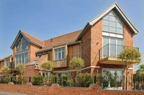 2 Bedrooms Apartment Flat for sale in Manor Road, Chigwell, Essex