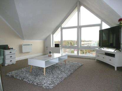 2 Bedrooms Flat for sale in Lime Kiln Close, Peterborough, Cambridgeshire
