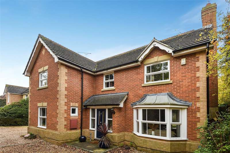 4 Bedrooms Detached House for sale in Blamire Drive, Temple Park, Binfield, Berkshire, RG42