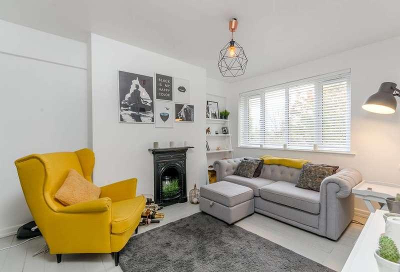 1 Bedroom Flat for sale in Kimber Road, Southfields, SW18