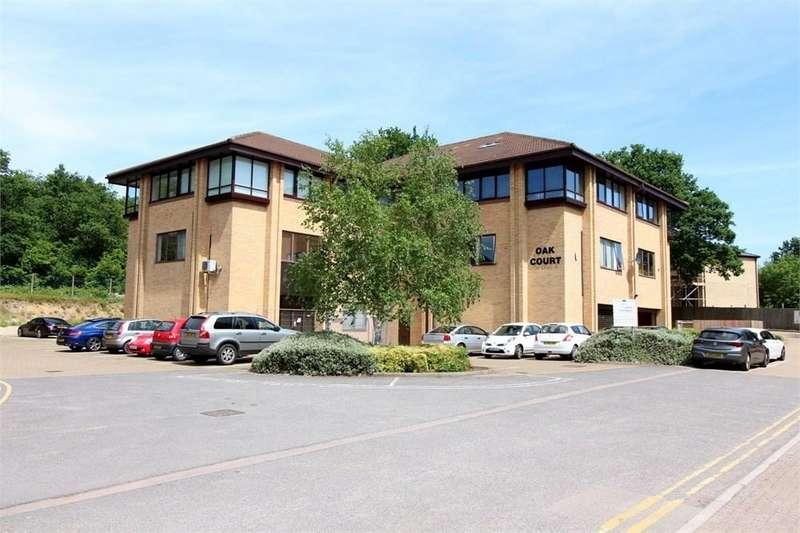 2 Bedrooms Apartment Flat for sale in 14 Sandridge Park, Porters Wood, ST ALBANS, AL3