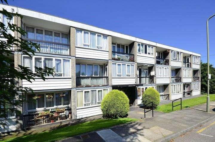 1 Bedroom Flat for sale in Ashbourne Close, Woodside Park, London, N12