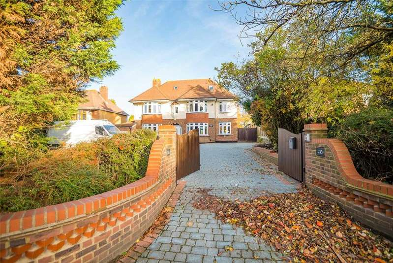 5 Bedrooms Detached House for sale in Willington Street, Maidstone, Kent, ME15