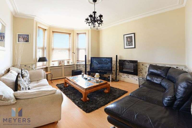 3 Bedrooms Property for sale in Columbia Road, Bournemouth