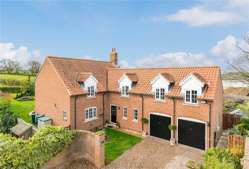 4 Bedrooms Detached House for sale in Manor Chase, Long Marston, York, North Yorkshire
