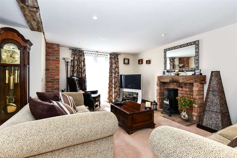 2 Bedrooms End Of Terrace House for sale in Heywood Farm Barns, Waltham Road, Maidenhead, Berkshire, SL6