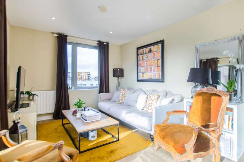 2 Bedrooms Flat for sale in Lindfield Street, Canary Wharf, E14