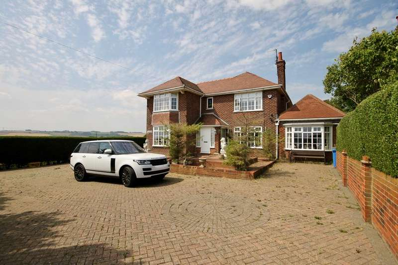 4 Bedrooms Detached House for sale in Muston Road, Filey YO14