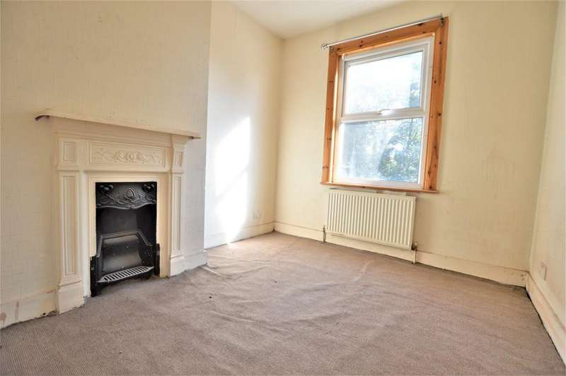 3 Bedrooms Terraced House for sale in Canada Road, Slough