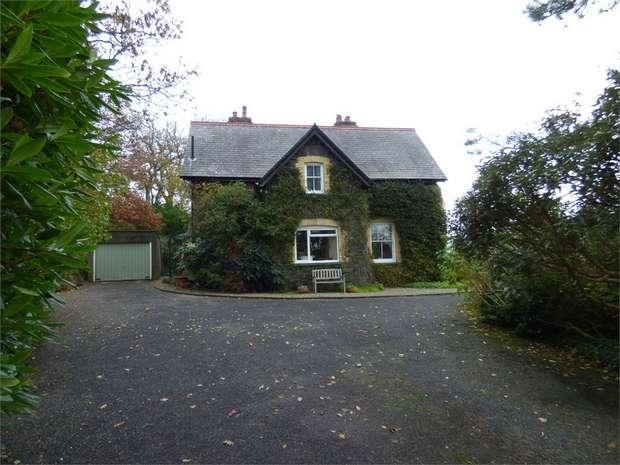 5 Bedrooms Detached House for sale in Tywyn, Gwynedd