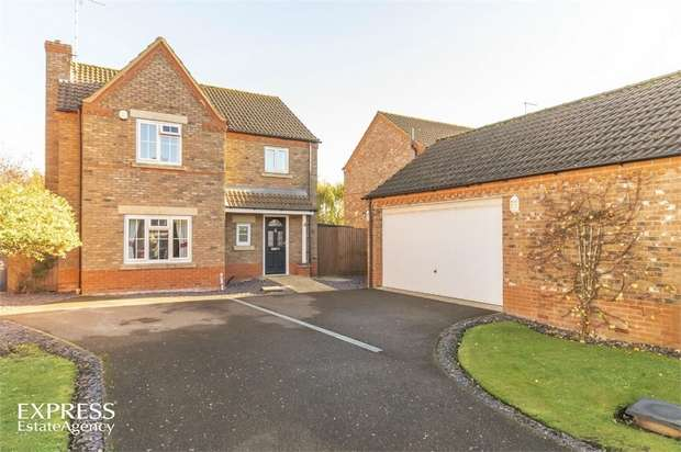 4 Bedrooms Detached House for sale in Oak Way, Ramsey St Marys, Ramsey, Huntingdon, Cambridgeshire