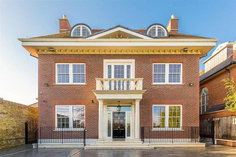 8 Bedrooms House for rent in West Side Common, Wimbledon, London, SW19