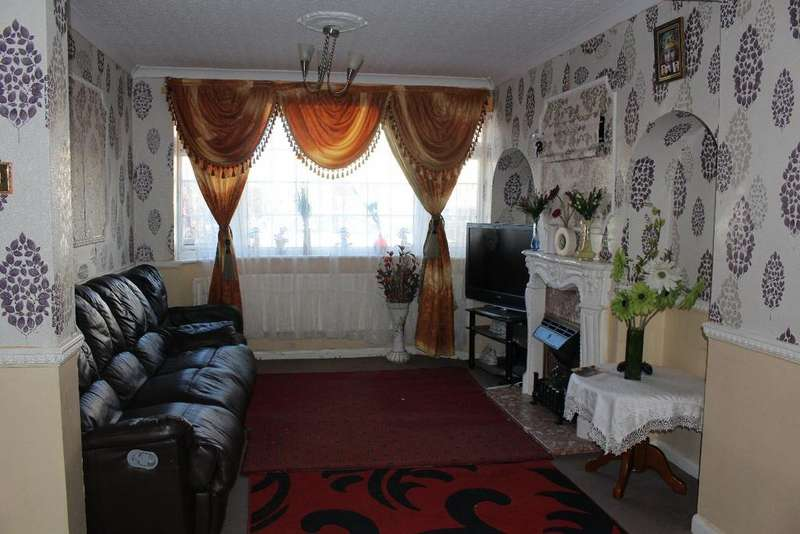 3 Bedrooms Semi Detached House for sale in Birkdale Road, Abbey Wood