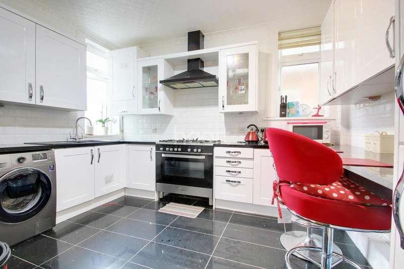 3 Bedrooms Semi Detached House for sale in Alexander Avenue, Off New Bedford Road