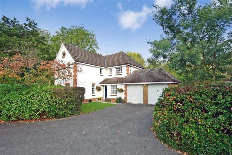 4 Bedrooms Detached House for sale in Sweet Bay Crescent, , Ashford, Kent
