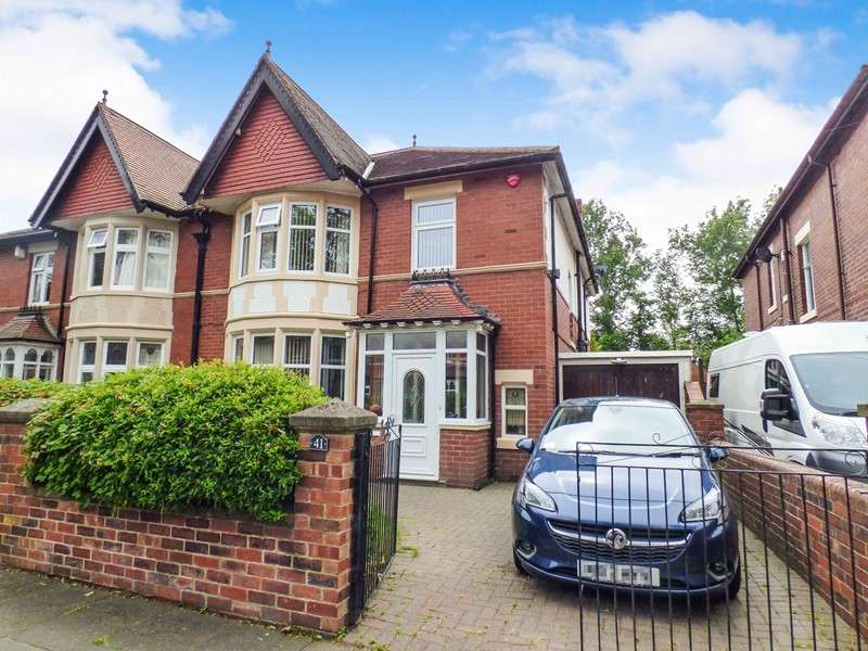 4 Bedrooms Property for sale in Grosvenor Drive, Whitley Bay, Whitley Bay, Tyne and Wear, NE26 2JR