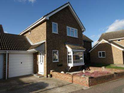 3 Bedrooms Detached House for sale in Osprey Road, Biggleswade, Bedfordshire
