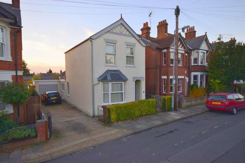 3 Bedrooms Detached House for sale in Hill Road, Chelmsford, CM2 6HW