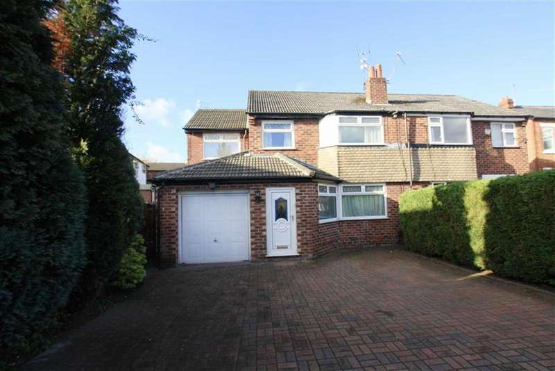 4 Bedrooms Semi Detached House for sale in Hollins Grove, Sale
