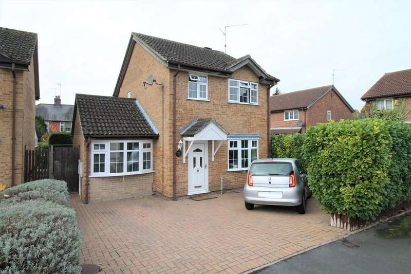 3 Bedrooms Detached House for sale in Edinburgh Close, Market Harborough