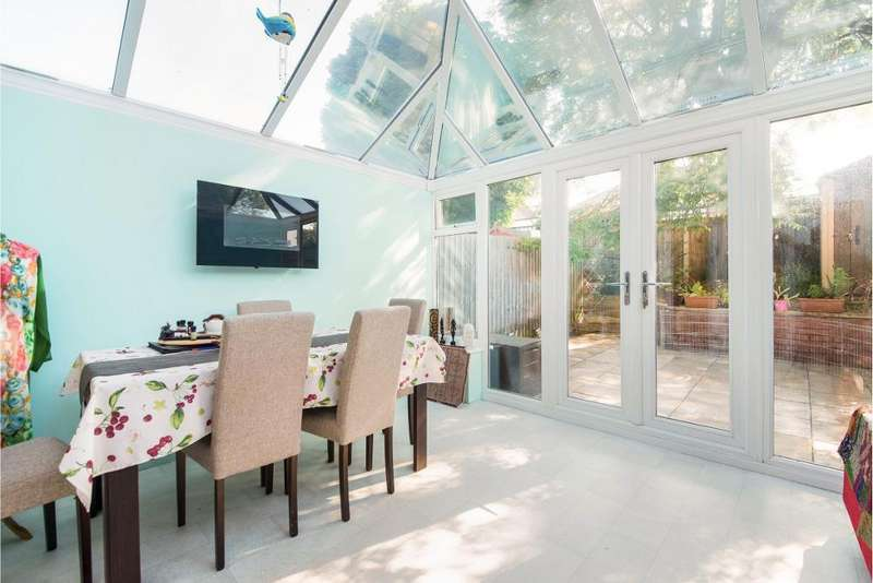 4 Bedrooms Terraced House for sale in Raven Close, Watford, Hertfordshire, WD18 7DE