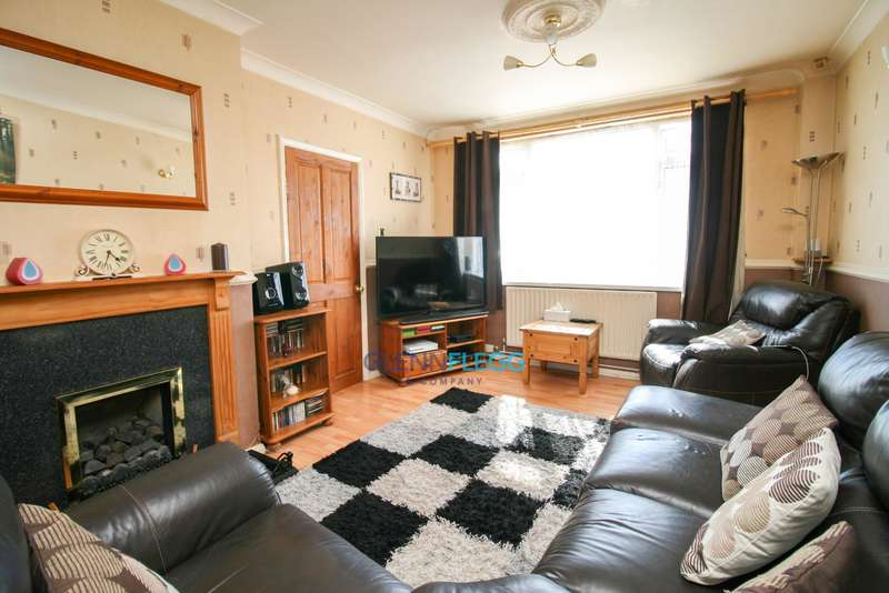 3 Bedrooms Terraced House for sale in Calbroke Road, Slough -