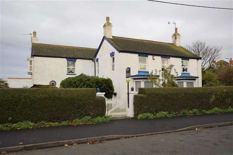 5 Bedrooms Property for sale in Grove Road, Sutton-on-Sea, Mablethorpe, Lincolnshire, LN12 2LP