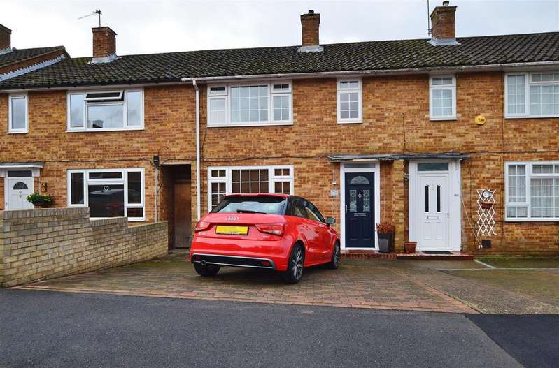 2 Bedrooms Terraced House for sale in Pemberton Road, Slough