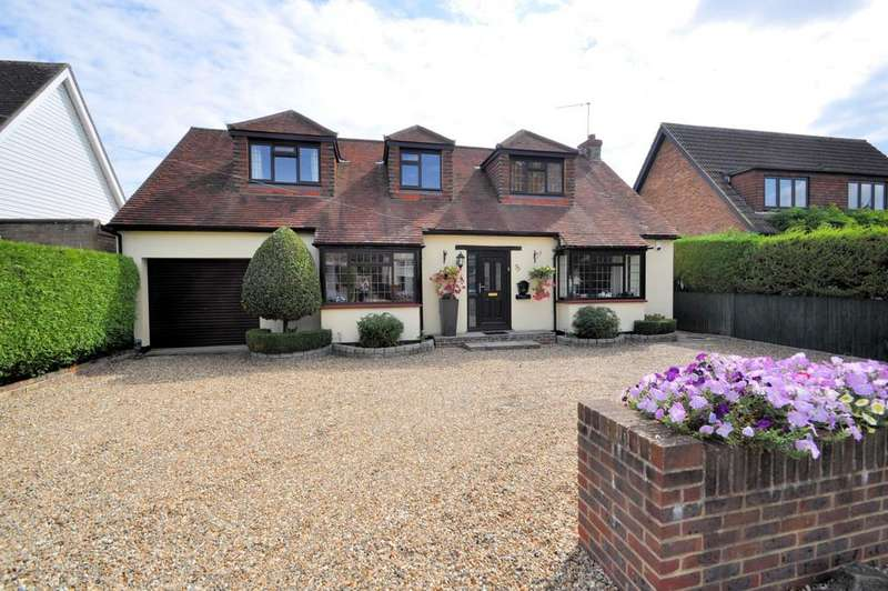 4 Bedrooms Detached House for sale in Wraysbury, Berkshire