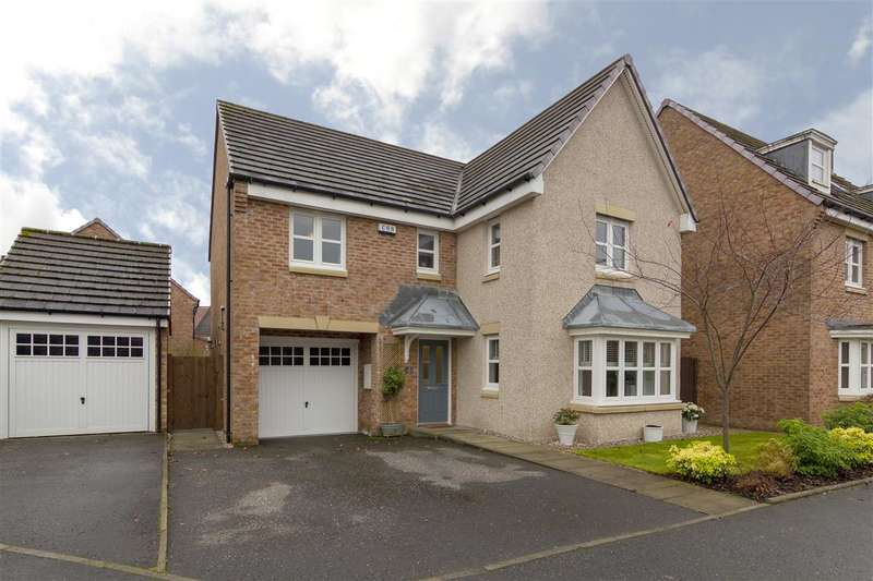 4 Bedrooms Detached House for sale in Orchardson Road, Larbert