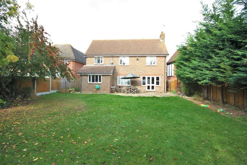 4 Bedrooms Detached House for sale in Mace Walk, Chelmsford