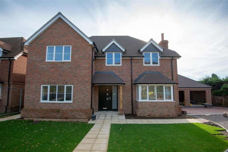 4 Bedrooms Detached House for sale in Mill Lane, High Salvington, Worthing