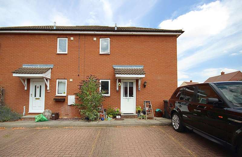 2 Bedrooms Cluster House for sale in Park Farm Close, Henlow, SG16