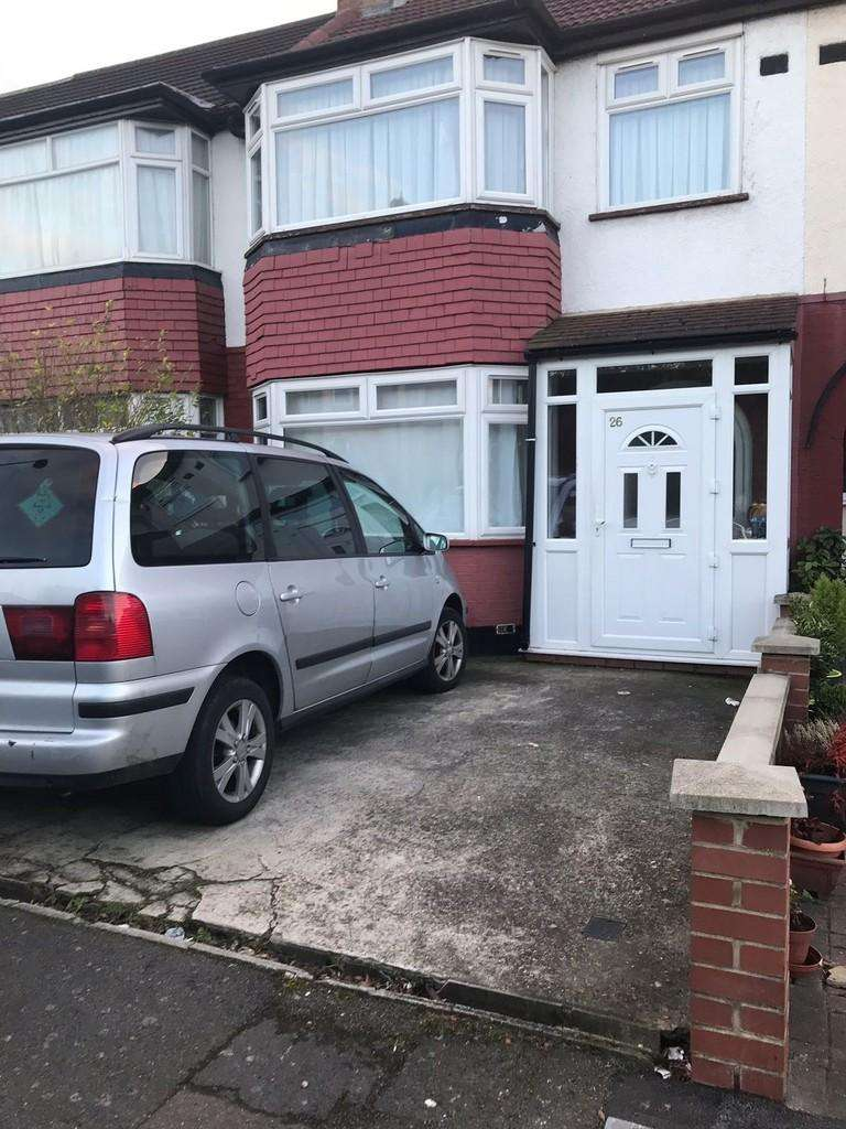 4 Bedrooms Terraced House for sale in Berkshire Gardens, Edmonton, N18