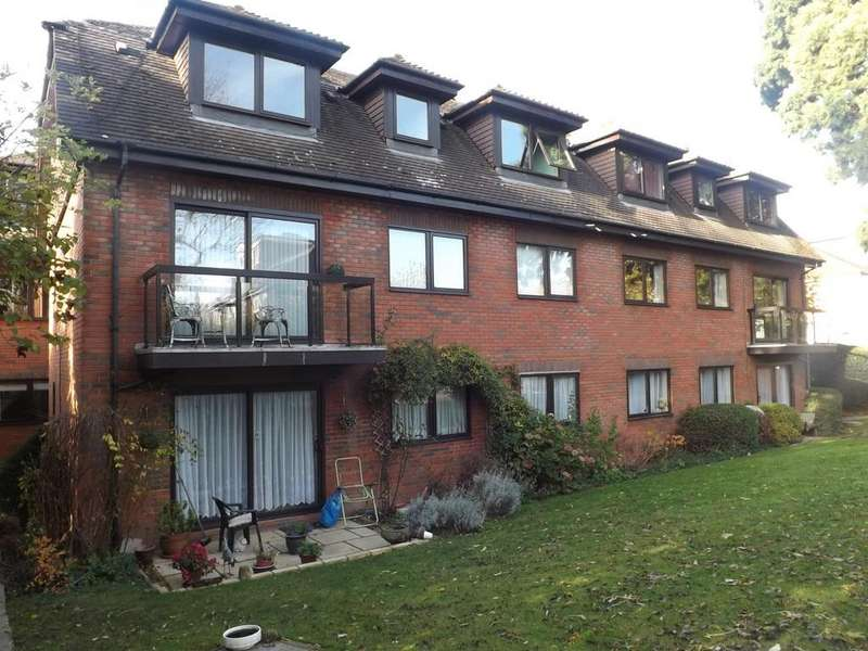 2 Bedrooms Ground Flat for sale in woodside grove