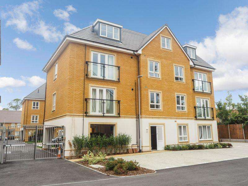 2 Bedrooms Apartment Flat for sale in Kenyon Way, Langley
