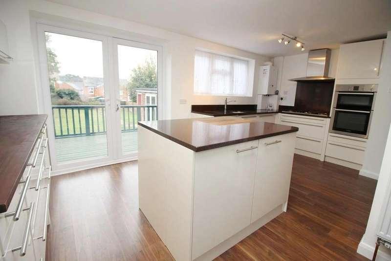 3 Bedrooms Detached House for sale in Meyrick Crescent, Colchester, Essex, CO2