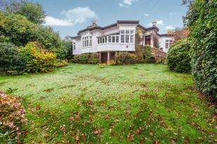 4 Bedrooms Detached House for sale in High Street, High Street, Hawkhurst