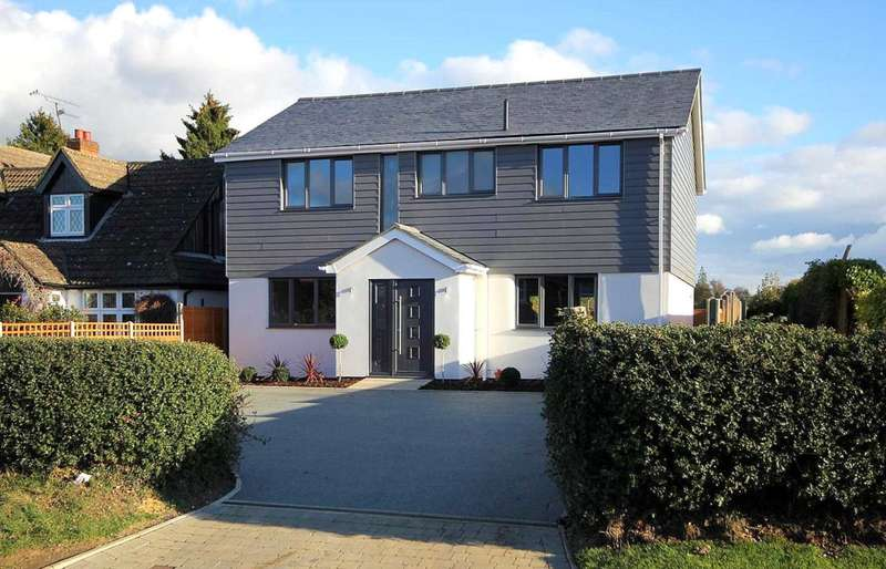 4 Bedrooms Detached House for sale in OUTSTANDING REFURBISHED DETACHED HOME IN HEART OF BOVINGDON VILLAGE