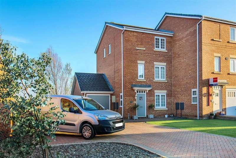 3 Bedrooms Town House for sale in Water Avens Way, Stockton-On-Tees