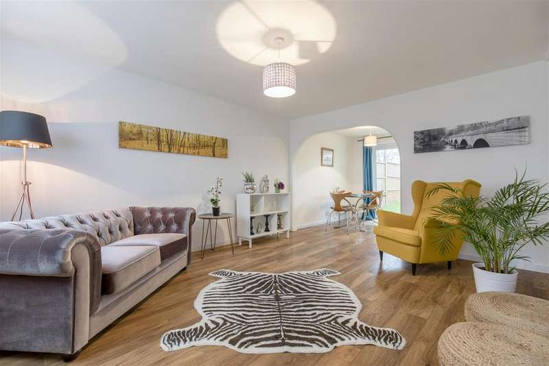 3 Bedrooms Terraced House for sale in Ash Lane, Windsor