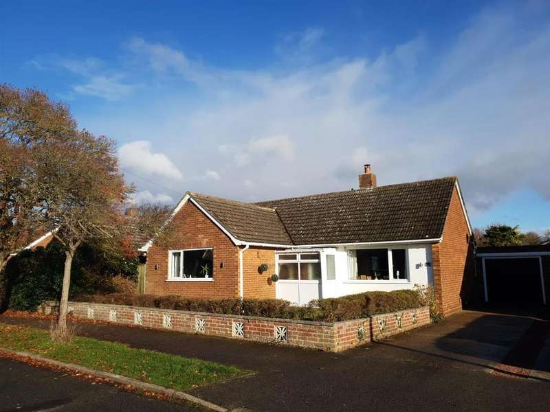 2 Bedrooms Detached Bungalow for sale in Elm Avenue, Cherry Willingham, Lincoln
