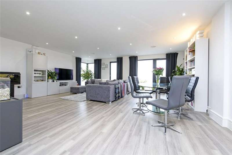 3 Bedrooms Flat for sale in Ikon House, 3 East Hill, London, SW18
