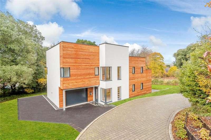 4 Bedrooms Detached House for sale in The Lawns, Daracombe Park, Mile End Road, Highweek Village, Devon
