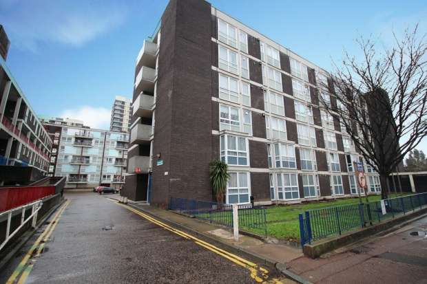 1 Bedroom Flat for sale in St. Martins Court, London, Greater London, N1 5TD